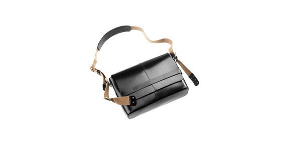 Brooks Barbican Shoulder Bag Leather black